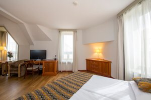 Where to Stay in Budapest District 5