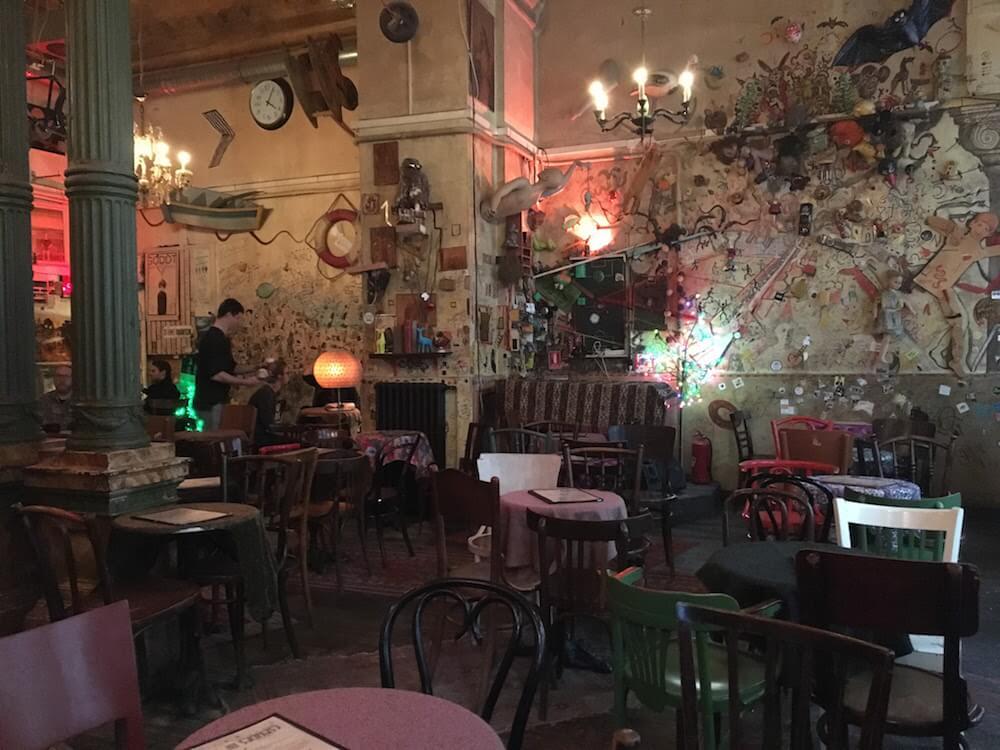 Csendes Vintage Ruin Bar Budapest