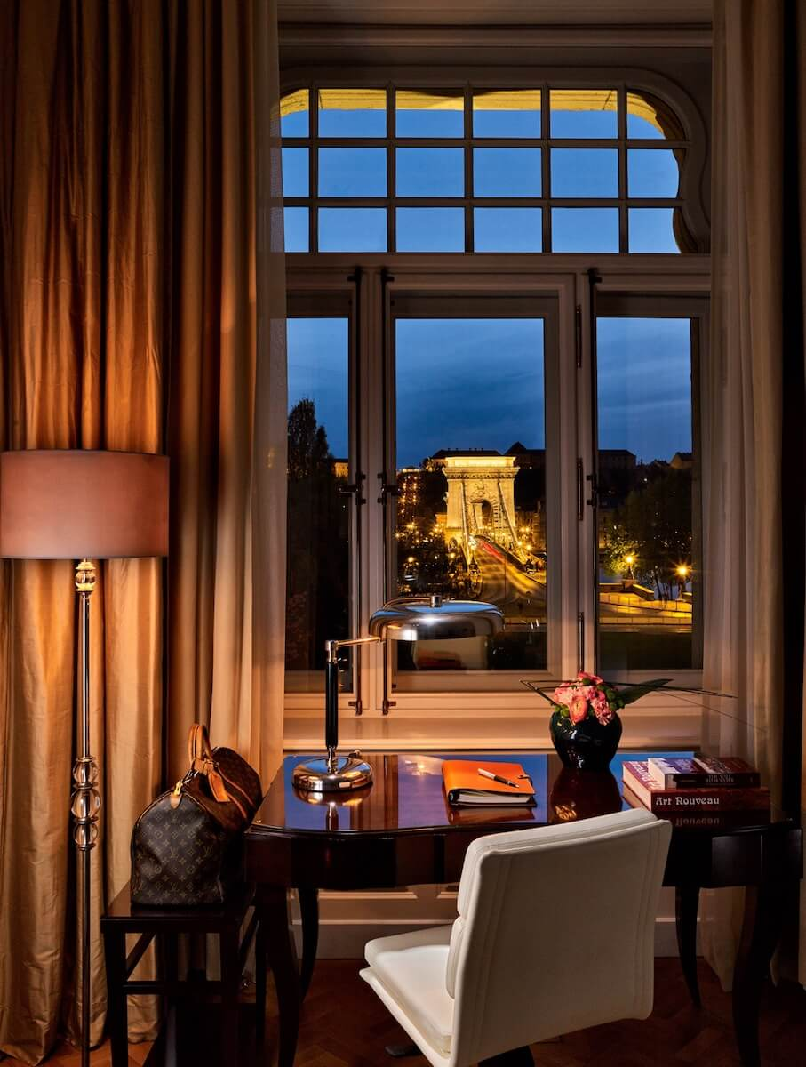 Four Seasons Gresham Palace Budapest Chain Bridge Suite